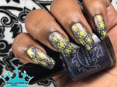 Fluidly Flowing w/ nail art