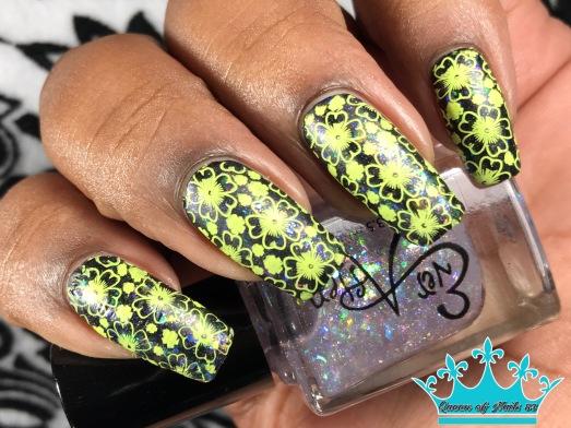 Straight Up w/ nail art
