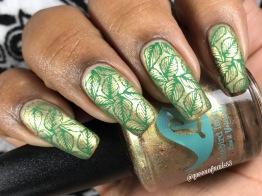 Bluebird - Mast Boat Naut Least w/ nail art