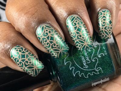 Helena w/ nail art