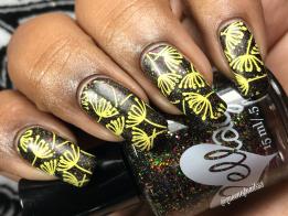 EllaGee - Peeno Noir w/ nail art