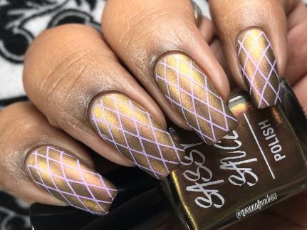 Rosie's Gold - w/ nail art