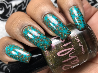 Queen of Pentacles - w/ nail art