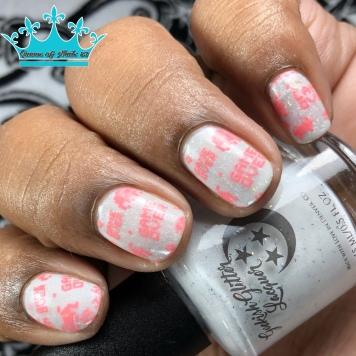 Mrs. White - w/ nail art