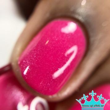 Dip Into Pink - macro