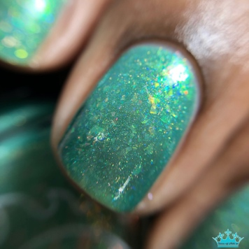 Great Lakes Lacquer - WTF Puck?! - macro