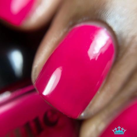 Blushing Queens - macro