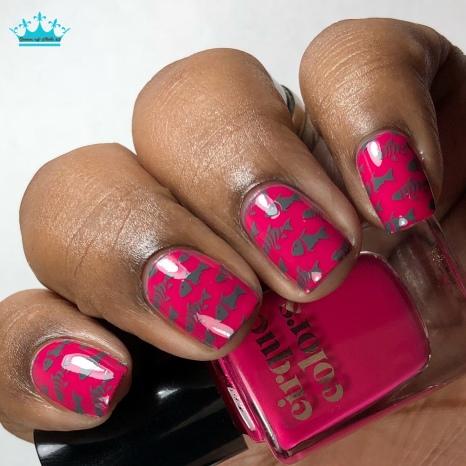 Blushing Queens - w/ nail art