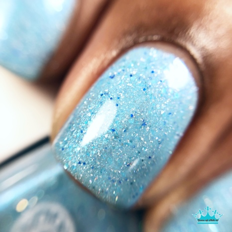 """Anchor & Heart Lacquer - """"Our Hearts Match"""" - macro"""