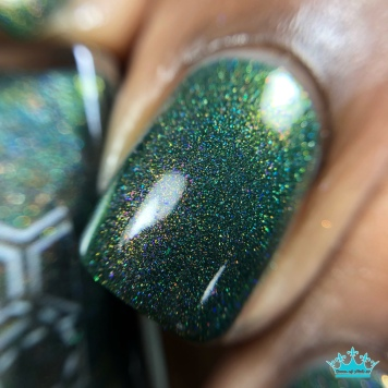 """Bee's Knees Lacquer - """"Family is More Than Blood"""" - macro"""
