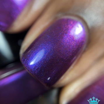 "Sassy Pants Polish - ""Love to Give"" - macro"