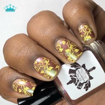 Alexandrine - w/ nail art