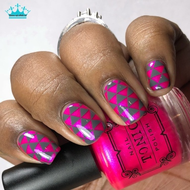 Hot to Trot - w/ nail art