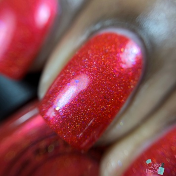 """77 Nail Lacquer - """"Fighting To Remember"""" - macro"""