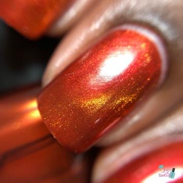 Tonic Nail Polish - Saharan (M) - macro