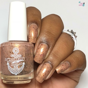 Anchor & Heart Lacquer - Pale Man - w/ glossy tc