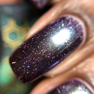 Bees Knees Lacquer - Squatchin Around (VIP) - macro