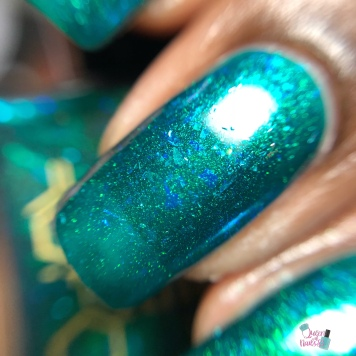 Bees Knees Lacquer - Peppie (LE) - macro
