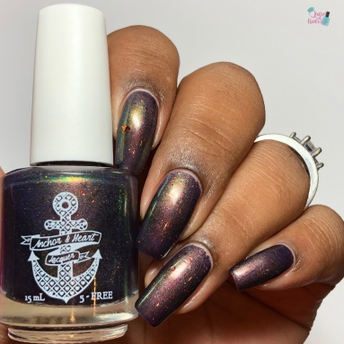 Anchor & Heart Lacquer - Dark Lady of DNA - w/ glossy tc