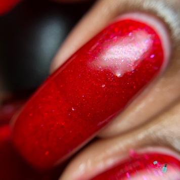 Mistletoe Kisses - macro