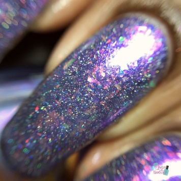 Ethereal Lacquer - Spellfrost (over black) - macro