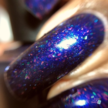 Illyrian Polish - Rising Sun Blues - macro