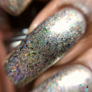Ever After - Will Flash My Mani For Beads - macro